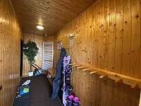 Lyžárna ve spodním patře - pronájem apartmánu Herlíkovice