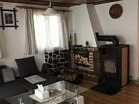 Obývací pokoj - chalupa k pronajmutí Vysoké nad Jizerou
