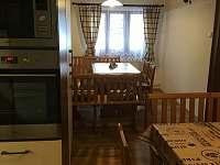 Roubenka Verunka - kuchyně s jídelnou - Rokytnice nad Jizerou