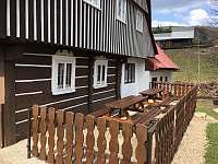Roubenka Verunka - venkovní terasa - chalupa ubytování Rokytnice nad Jizerou