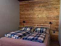 Pokoj č. 10 – Dvoulůžkový s manželskou postelí - chalupa k pronájmu Strážné
