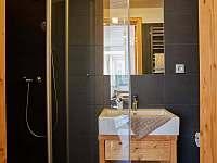 Koupelna se sprchovým koutem - apartmán k pronajmutí Pec pod Sněžkou