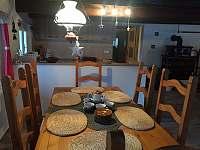 Relax chaloupka_jídelna - k pronajmutí Černý Důl - Čistá v Krkonoších