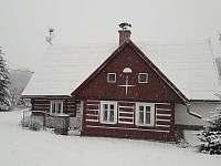 Relax chaloupka v zimě pod bílou peřinou - k pronajmutí Černý Důl - Čistá v Krkonoších