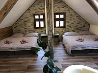 ložnice 5 lůžek - chalupa ubytování Nová Paka - Štikov