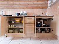 kuchyňský kout mezonetového apartmánu - k pronájmu Harrachov
