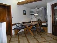 jídelní kout apartmánu v přízemí - Rokytnice nad Jizerou