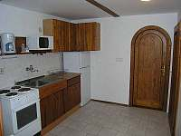 kuchyň v podkroví - Rokytnice nad Jizerou