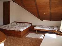 ložnice v podkroví - pronájem apartmánu Rokytnice nad Jizerou