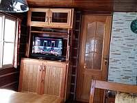 Televize, pohled z jídelního koutu - Víchová nad Jizerou