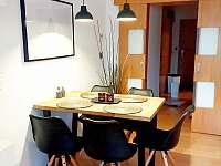 Apartmán U Sklárny - jídelní kout - pronájem Harrachov