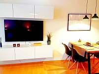 Apartmán U Sklárny - jídelní kout - k pronajmutí Harrachov