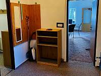 Společná předsíň A1+A2 - apartmán k pronajmutí Harrachov
