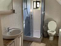 horní koupelna a wc - chata k pronajmutí Černý Důl - Čistá v Krkonoších