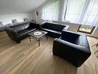 Apartmán 2 - Obývací pokoj s jídelnou a kuchyní - pronájem Rokytnice nad Jizerou