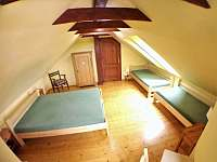 ložnice 2.poschodí, 1xpostel 160x200 a 2x postel 90x200