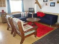 Obývací pokoj - chalupa k pronajmutí Rokytno