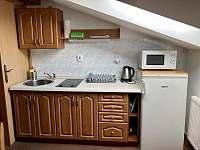 Pokoj 1 - kuchyňská linka - Roztoky u Jilemnice