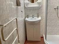 Pokoj 2 - koupelna - ubytování Roztoky u Jilemnice
