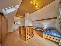 Ložnice - 2x jednolůžkové postele - chata k pronajmutí Trutnov - Poříčí