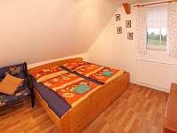 ložnice 2 - pronájem chalupy Bernartice