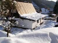 Pohled z příjezdové cesty - chata k pronajmutí Prkenný Důl