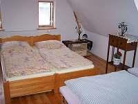 ložnice 1 - chalupa k pronajmutí Poniklá