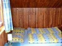 ložnice malá s menším dvoulůžkem