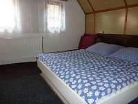 ložnice v podkroví - pronájem chalupy Benecko - Dolní Štěpanice