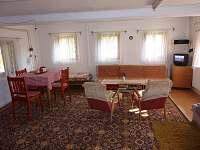 obytná místnost - chalupa k pronájmu Benecko - Dolní Štěpanice