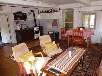 obytná místnost-jiný pohled - chalupa ubytování Benecko - Dolní Štěpanice