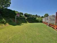 Multifunkční hřiště - volejbal,nohejbal,košíková,fotbal.