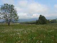 pohled ze zahrady na Vraní hory