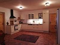 kuchyň - chata k pronájmu Dolní Lysečiny