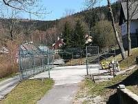 sportovní hřiště k využití míčové hry - Dolní Lysečiny