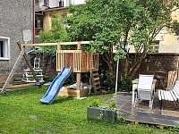 venkovní posezení - apartmán k pronájmu Svoboda nad Úpou