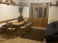 Společenská místnost - pronájem chaty Horní Maršov
