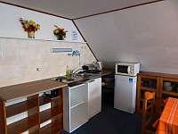 kuchyňský kout v podkroví - Harrachov