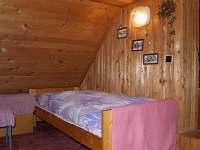 ložnice podkroví - pronájem chalupy Rybnice