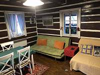 Obývací pokoj - chalupa k pronajmutí Jablonec nad Jizerou