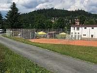 Tenisové a voleybalové hřiště