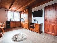 horní pokoj s kuchyní - Harrachov