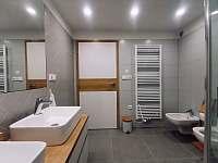 Koupelna v 1.patře - Černý Důl