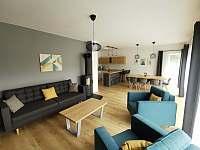 Obývací pokoj s krbem - Černý Důl