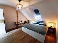 Pokoj č. 3, postele lze rozdělit - apartmán k pronajmutí Černý Důl