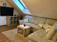 Obýváček - apartmán k pronájmu Lánov