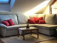 Obýváček detail - apartmán k pronájmu Lánov