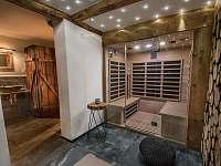 Relaxační místnost s infrasaunou pro 4 osoby - pronájem chaty Dolní Rokytnice - Vilémov