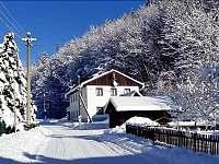 chalupa v zimě - Dolní Dvůr