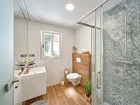 Apartmán 1 - koupelna + WC - chalupa k pronajmutí Horní Maršov - Temný Důl
